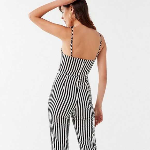 73bca296eb9b NWT UO Stretchy Striped Jumpsuit. M 5b2442a2534ef9e336d52f1b